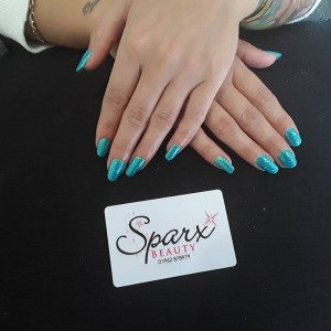 glitter-turquoise-nails-top-beauty-salon-winchester