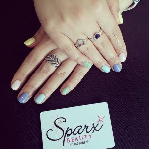 pastel-nail-colours-top-beauty-salon-in-winchester