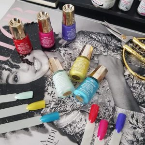 summer-nail-colours-sparx-beauty-salon-in-winchester